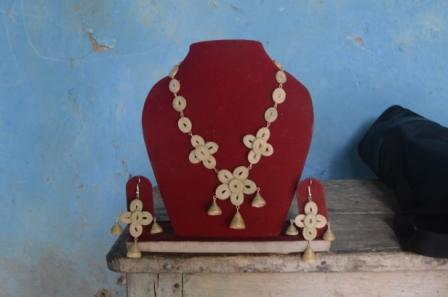 Jewellery made of bamboo